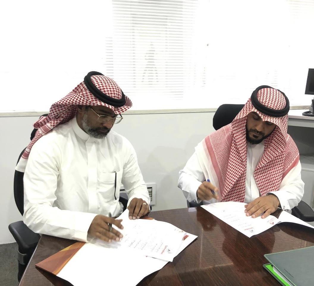 توقيع اتفاقية شراكة بين الأكاديمية وشركة شندلر 20/10/2019م